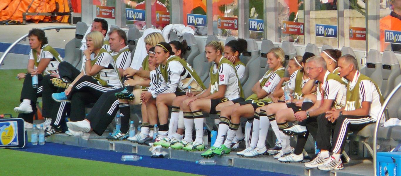 Deutsche Nationalmannschaft der Frauen auf der Ersatzbank